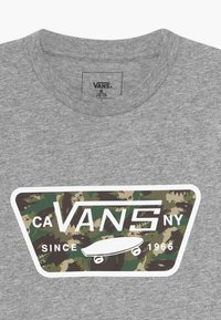 Vans - FULL PATCH FILL BOYS - Print T-shirt - athletic heather - 3