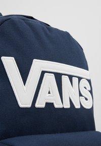 Vans - NEW SKOOL BACKPACK BOYS - Mochila - dress blues - 4