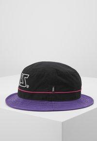 Vans - UNDERTONE BUCKET - Hat - black/heliotrope - 4