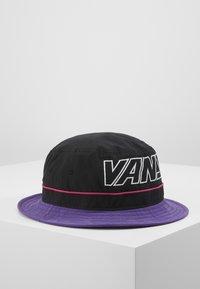 Vans - UNDERTONE BUCKET - Hat - black/heliotrope - 0