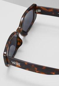 Vans - BOMB SHADES - Sonnenbrille - tortoise - 2