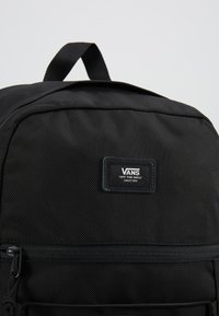 Vans - SNAG PLUS  - Mochila - black - 7