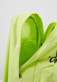 Vans - OLD SKOOL BACKPACK - Plecak - sharp green - 4