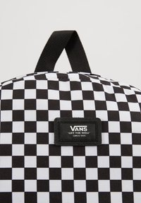 Vans - OLD SKOOL BACKPACK - Plecak - black/white - 8