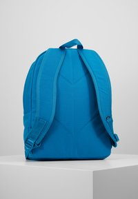 Vans - OLD SKOOL PLUS II BACKPACK - Batoh - turkish tile - 2