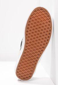 Vans - CLASSIC SLIP-ON - Slipper - black/white - 4