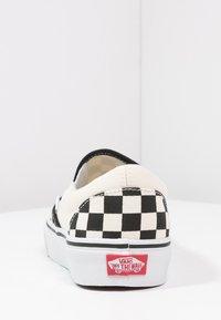 Vans - CLASSIC SLIP-ON - Mocassins - black/white - 3