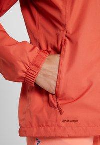 Vaude - WOMEN ESCAPE LIGHT JACKET - Waterproof jacket - hotchili - 6