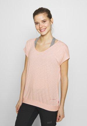 WOMENS SKOMER  - T-shirt med print - rosewater