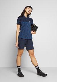 Vaude - CYCLIST SHORTY - Sports shorts - eclipse - 1