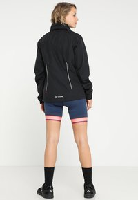 Vaude - ESCAPE BIKE LIGHT JACKET - Waterproof jacket - black - 3