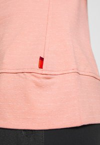 Vaude - WOMEN TUENNO  - Long sleeved top - snapdragon - 5