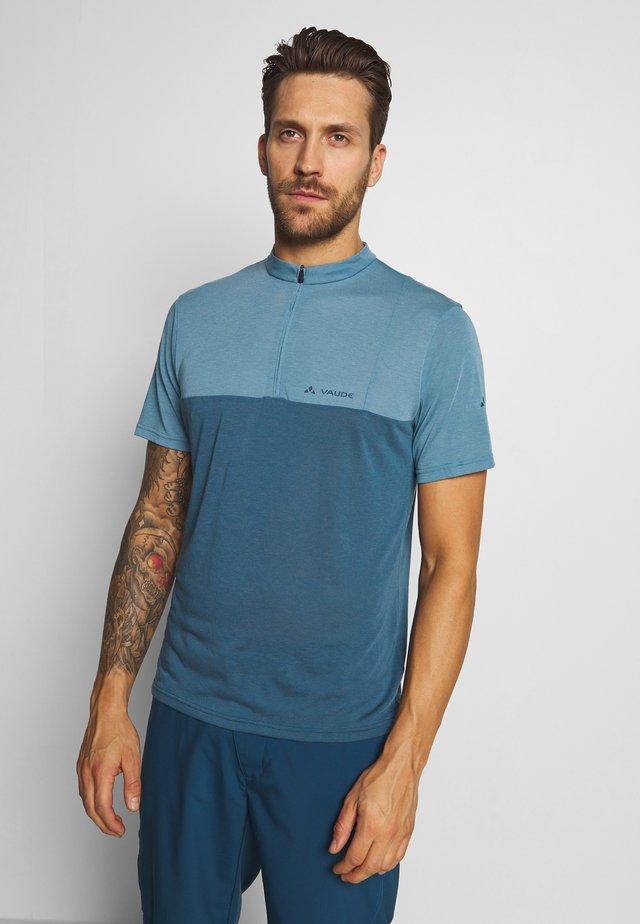 ME TREMALZO - T-shirt z nadrukiem - blue gray
