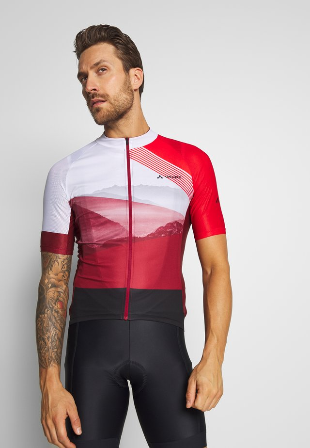 ME MAJURA TRICOT  - T-shirt med print - mars red