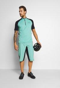 Vaude - ME BRACKET SHORTS - Sports shorts - lake - 1