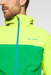 Vaude - ME MOAB RAIN JACKET - Regenjacke / wasserabweisende Jacke - bright green - 3