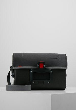 AQUA BOX - Across body bag - black