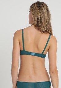Vanity Fair Lingerie - CARLAUNDERWIRE BRA - Beugel BH - emerald - 2