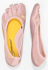 Vibram Fivefingers - Sportovní boty - pale mauve - 1