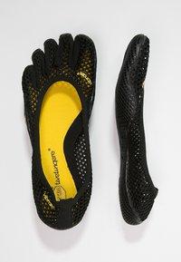 Vibram Fivefingers - Chaussures d'entraînement et de fitness - black - 1