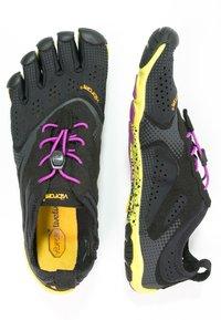 Vibram Fivefingers - Minimalistické běžecké boty - black/yellow/purple - 3