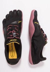 Vibram Fivefingers - Sports shoes - black/rose - 1