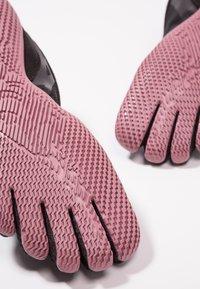 Vibram Fivefingers - Sports shoes - black/rose - 5