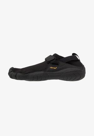KSO - Minimalist running shoes - black