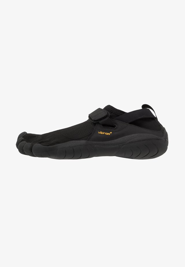 KSO - Minimalist running shoes - black