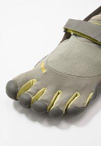 Vibram Fivefingers - KSO - Minimalistické běžecké boty - taupea/palm/grey - 5
