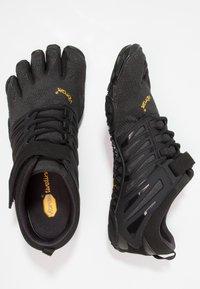 Vibram Fivefingers - V-TRAIN - Obuwie treningowe - black out - 1
