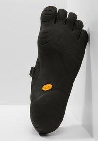 Vibram Fivefingers - KSO - Minimalistické běžecké boty - black - 4