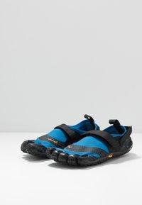 Vibram Fivefingers - V-AQUA - Obuwie do sportów wodnych - blue/black - 2