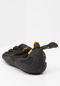 Vibram Fivefingers - CLASSIC - Minimalistické běžecké boty - black - 3