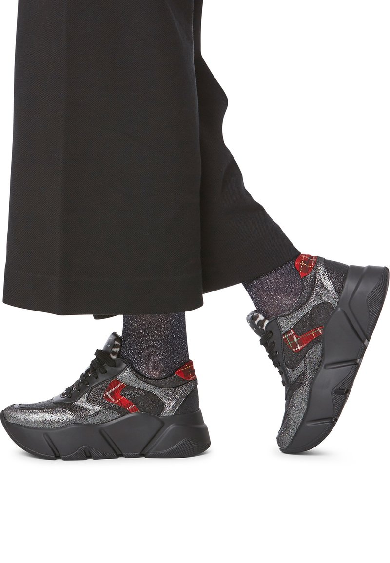 Voile Blanche - Trainers - black