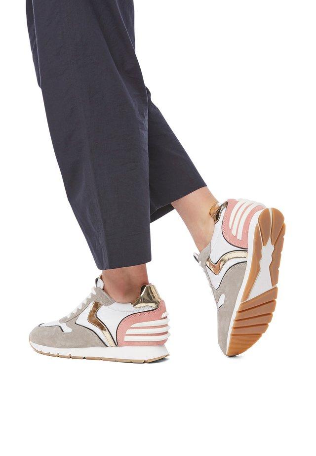 JULIA SLAM POWER - Sneakers basse - beige