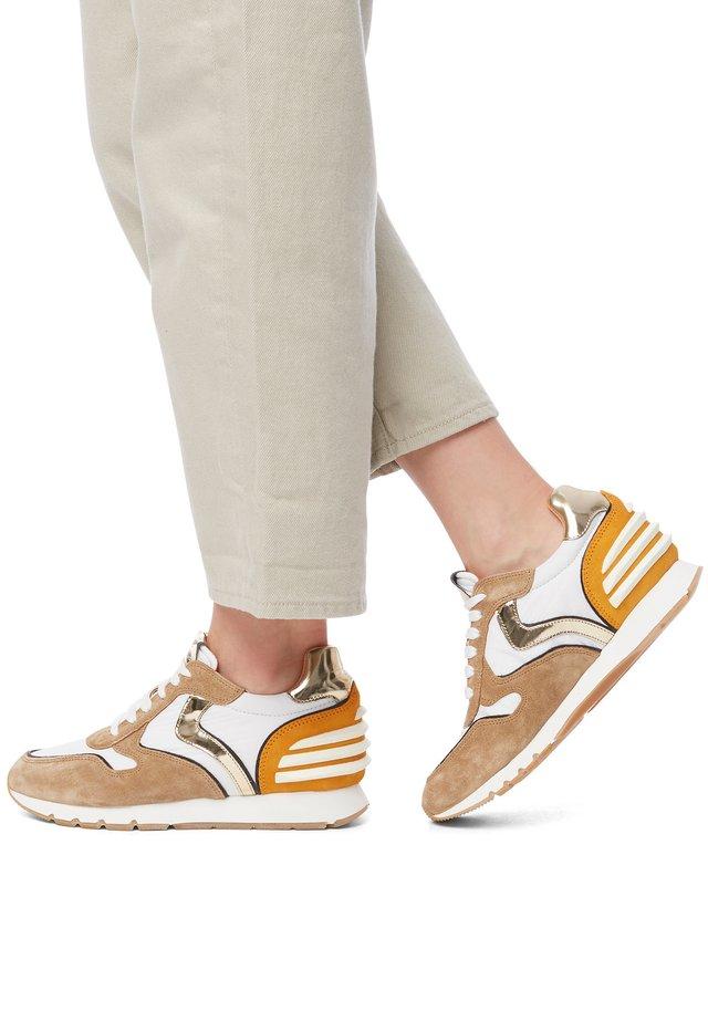 JULIA SLAM POWER - Trainers - brown