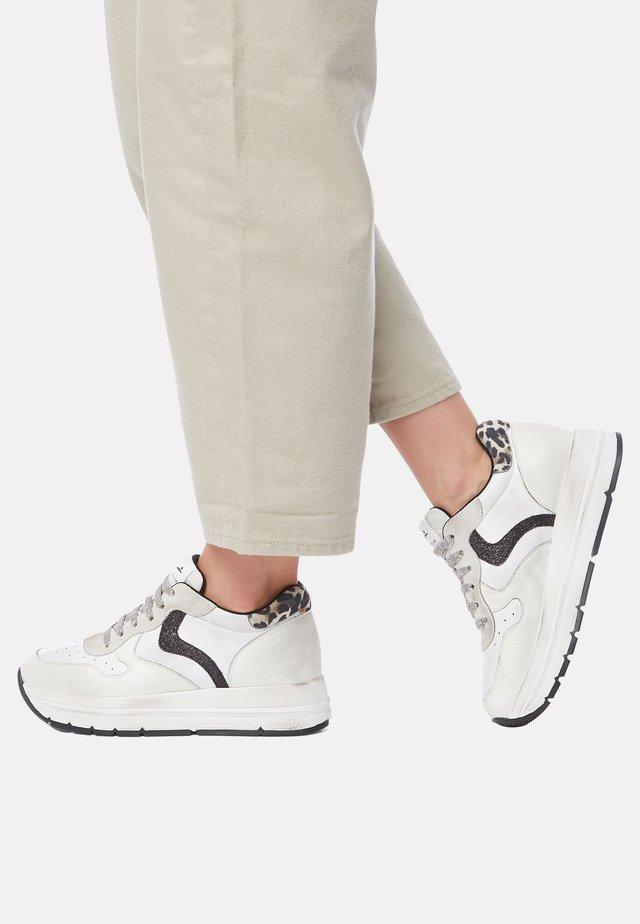 MARAN HOLES - Sneakers basse - white