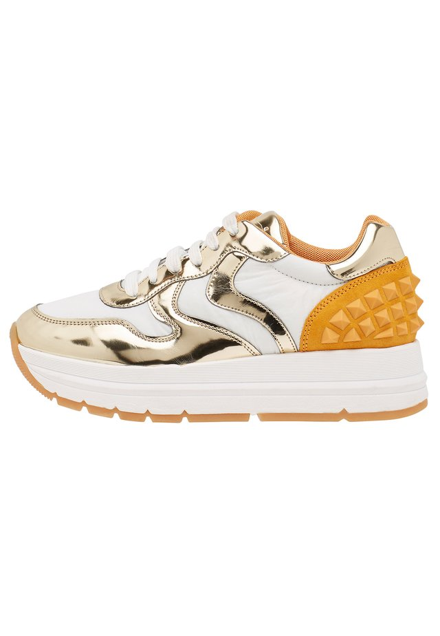 Trainers - gold