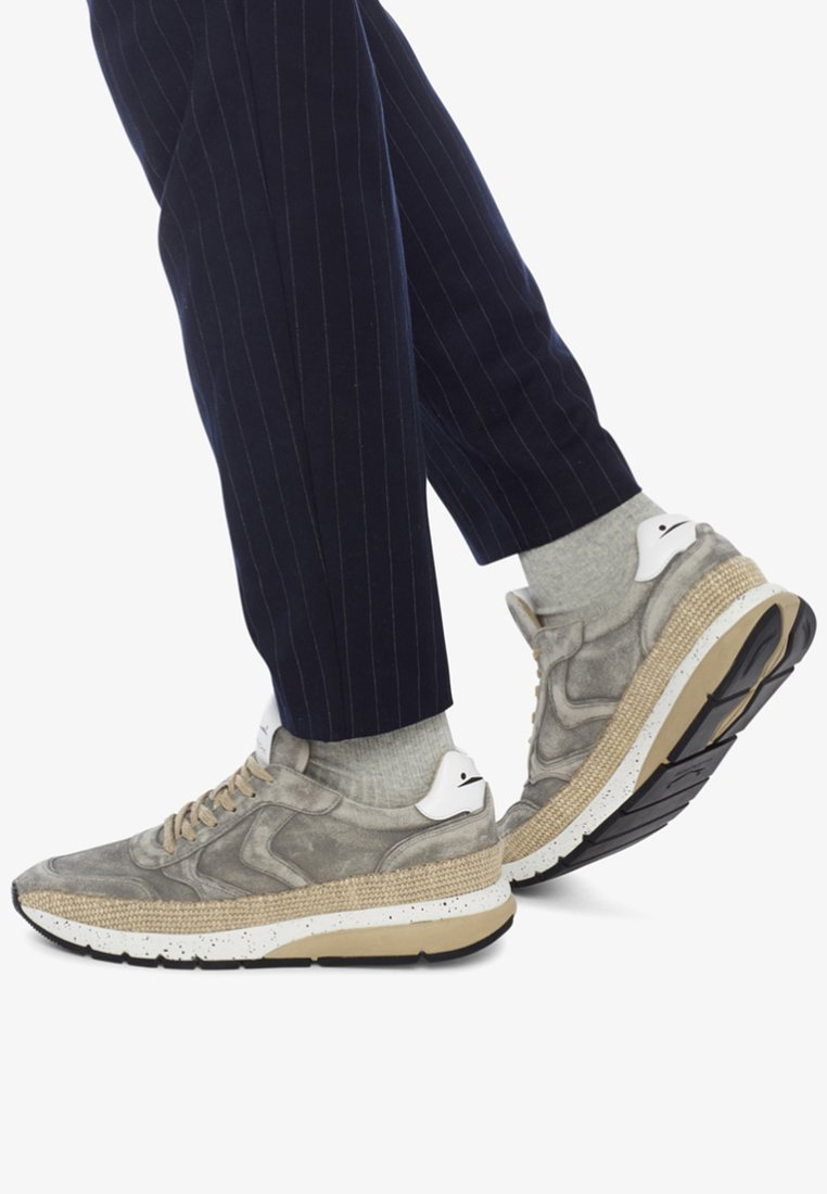 Voile Blanche - DAVE - Trainers - grey