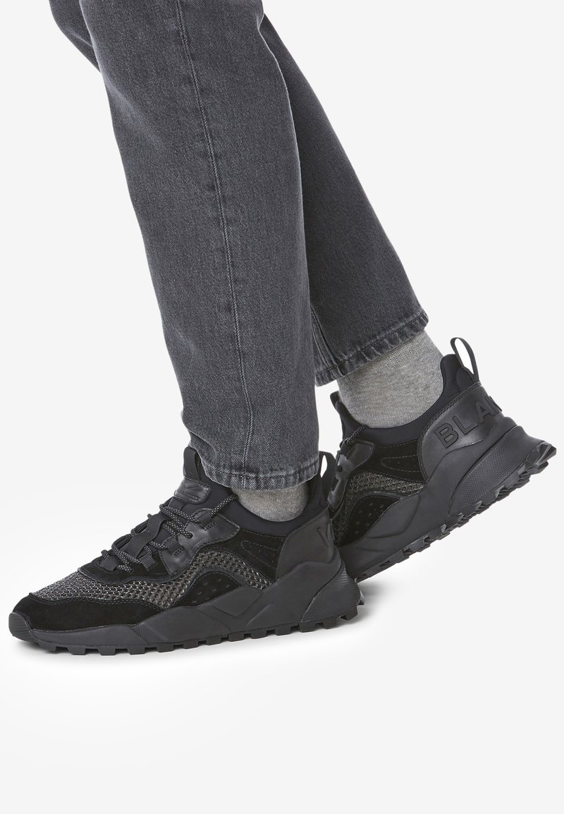 Voile Blanche - CLUB04 - Trainers - black
