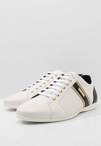 Versace Collection - Baskets basses - white - 2