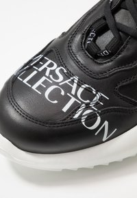 Versace Collection - Baskets basses - black - 5