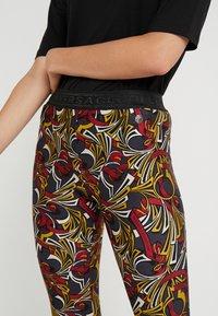 Versace Collection - Leggings - Trousers - scaralatto giallo - 4