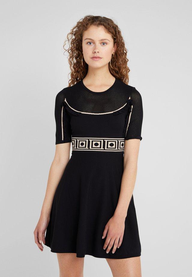 Pletené šaty - nero/sabbia