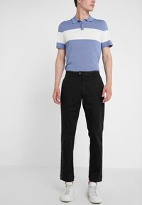 Versace Collection - PANTALONI TESSUTO - Trousers - nero - 0