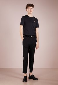Versace Collection - T-shirt basique - nero/oro - 1