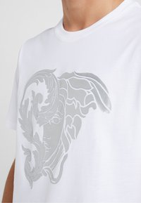 Versace Collection - T-shirts med print - bianco - 5