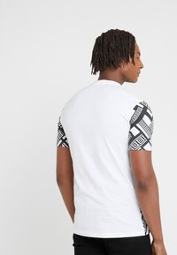 Versace Collection - T-shirts print - bianco stampa - 2