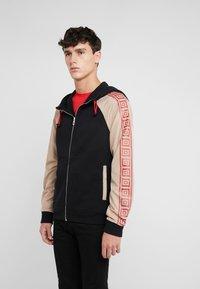 Versace Collection - SPORTIVO - veste en sweat zippée - nero - 0